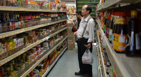 Chinatown - anonyme faisant ses courses